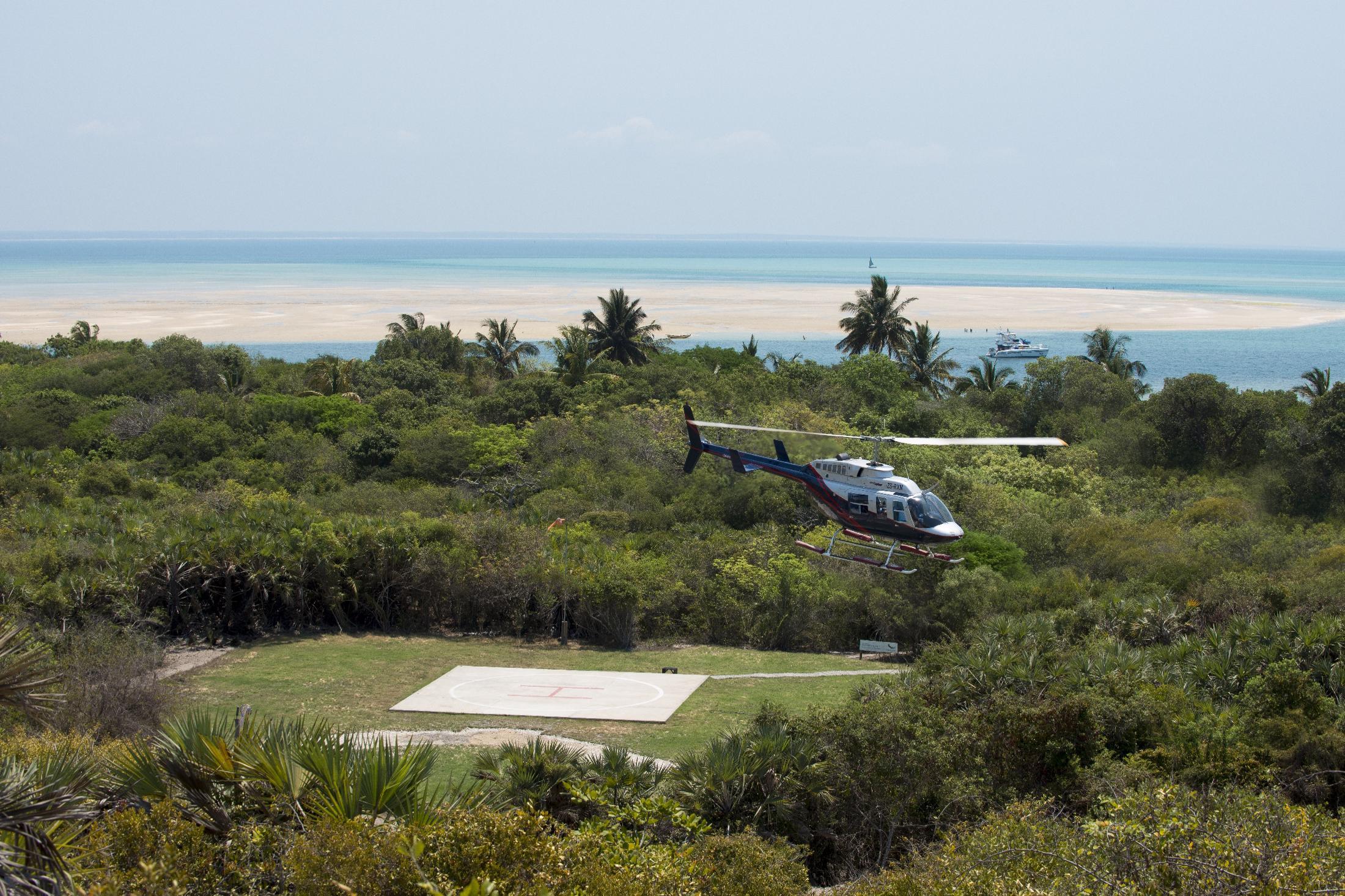 Rondreizen Zuid-Afrika Mozambique - Aankomst met helicopter op Benguerra Island Lodge (&Beyond)