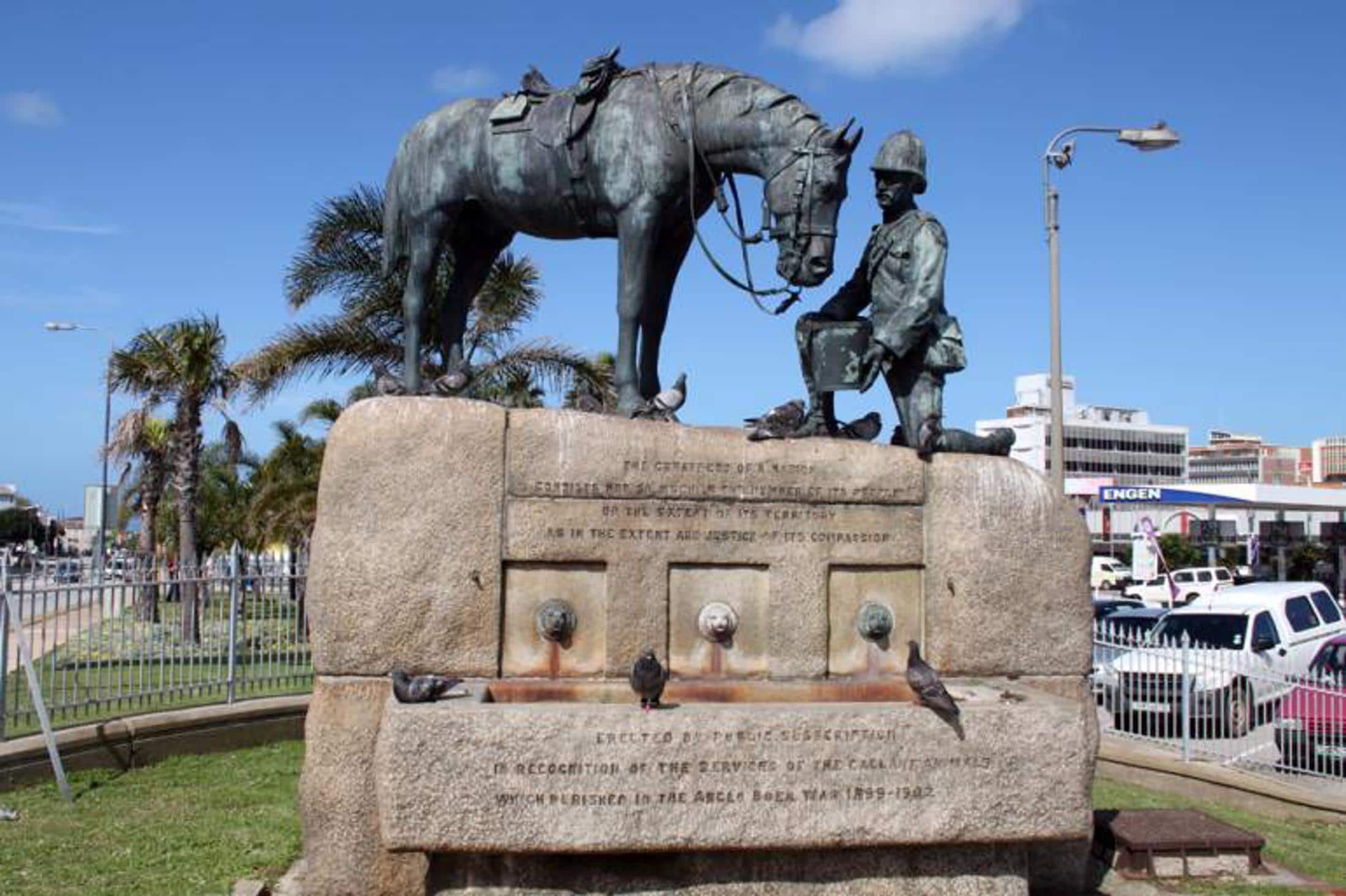 Paarden safari Afrika - Horse Memorial Port Elizabeth